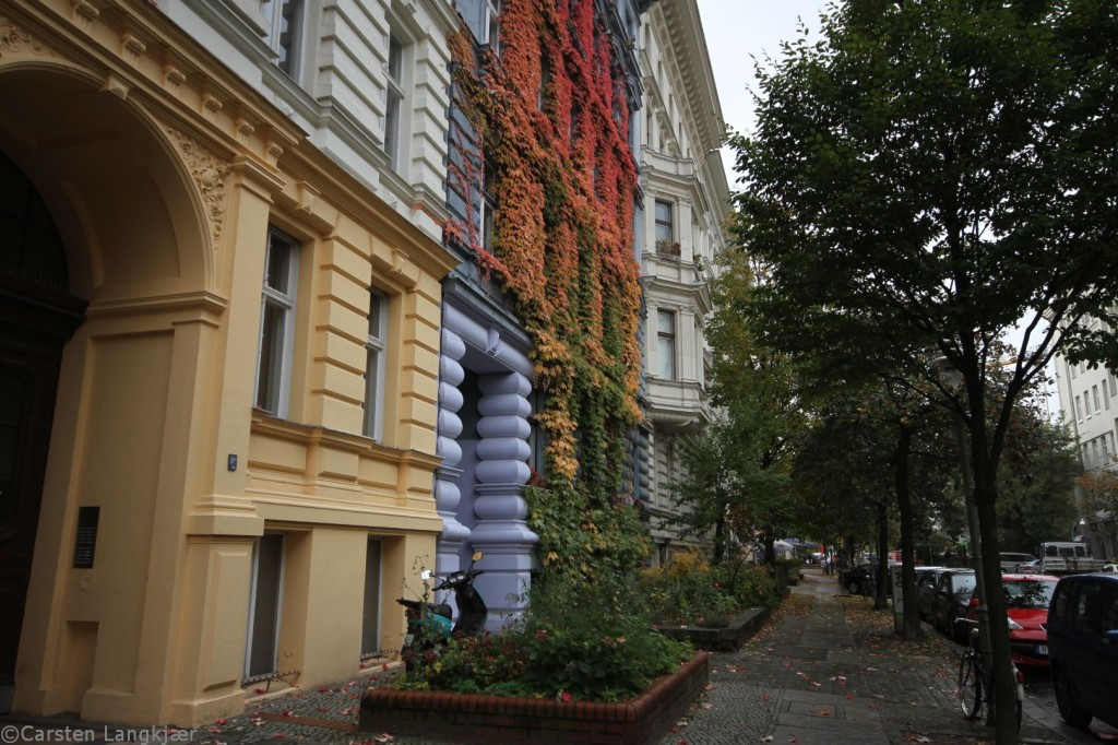Our autumn colored  apartment in Kreuzberg